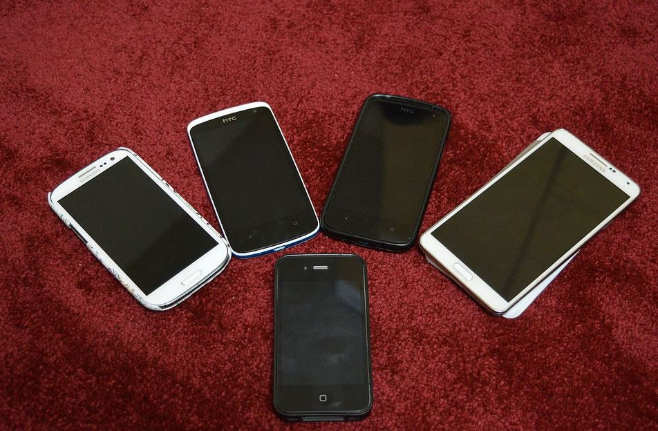 Best Inexpensive Smart Phone